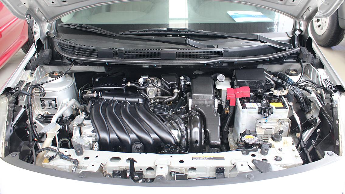 康之园 11年桑塔纳发动机舱图解 > 发动机舱   发动机舱     宽640×