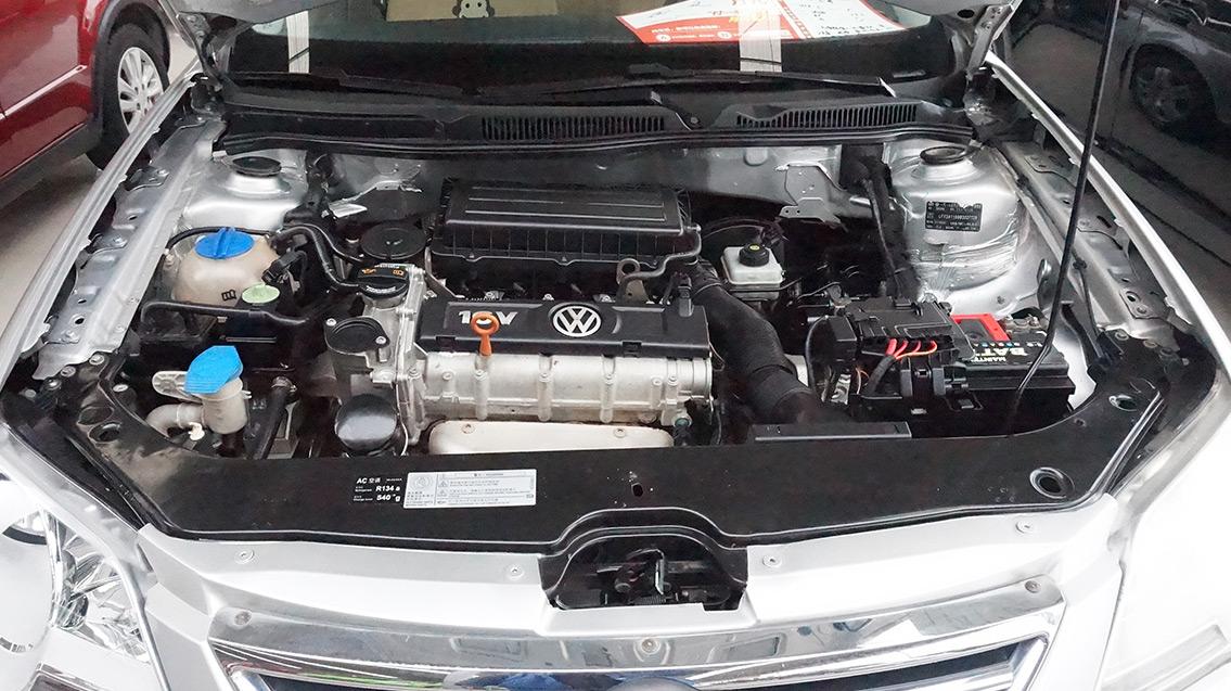 引擎-发动机舱图片